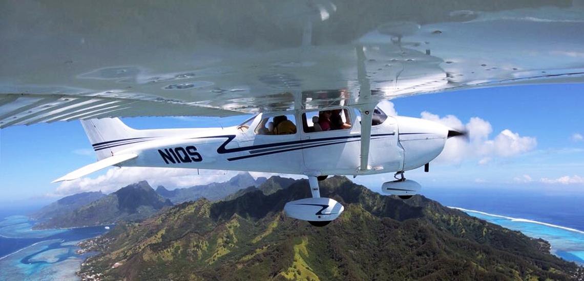 https://tahititourisme.fr/wp-content/uploads/2017/08/C3P-Cessna-above-Moorea.jpg