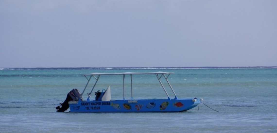 https://tahititourisme.fr/wp-content/uploads/2017/08/Sammy-Maupiti-Lagoon-Tours.png