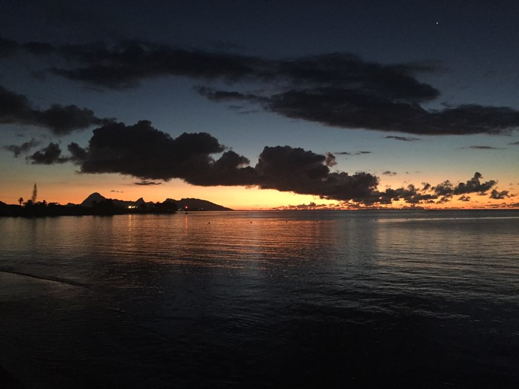 https://tahititourisme.fr/wp-content/uploads/2017/09/Mer-coucher-de-soleil.jpg