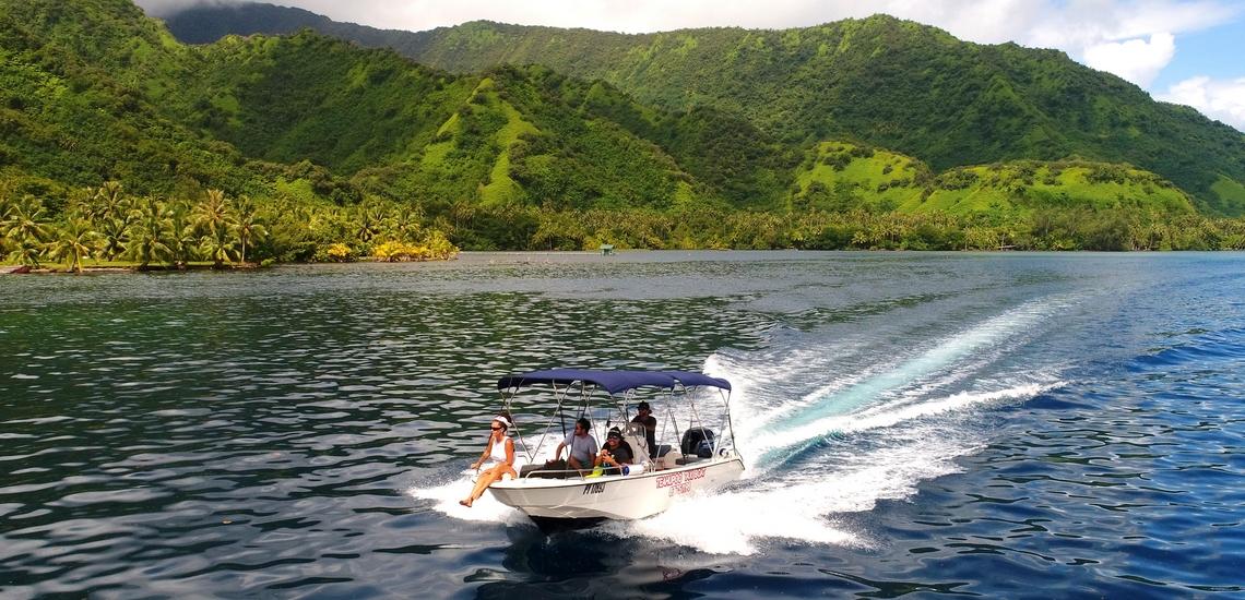 https://tahititourisme.fr/wp-content/uploads/2018/02/ACTIVITES-NAUTIQUES-Teahupoo-Taxi-Boat-1.jpg