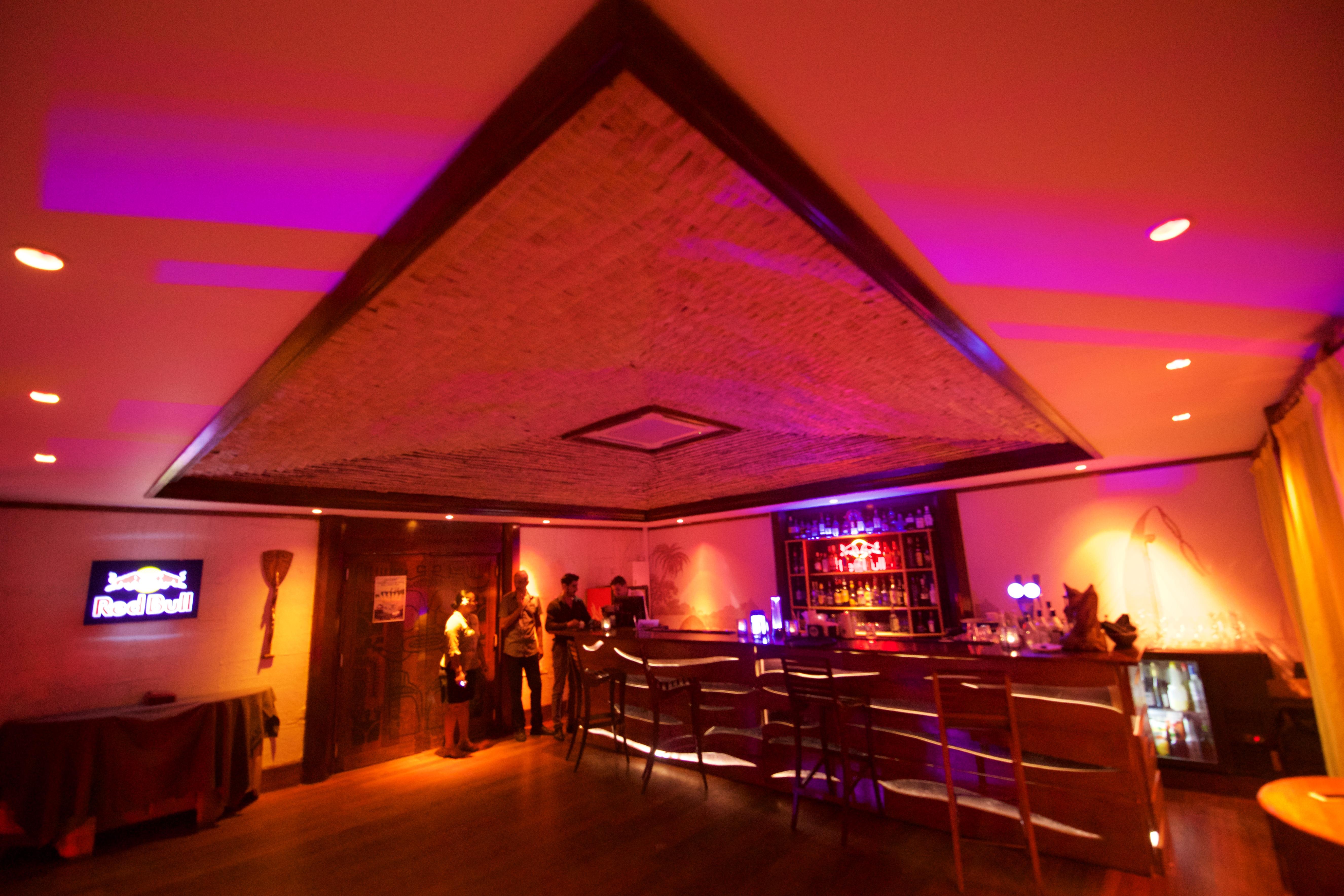 https://tahititourisme.fr/wp-content/uploads/2018/03/RESTAURATION-Matahiehani-Lounge-Bar-1-Tim_McKenna.jpg