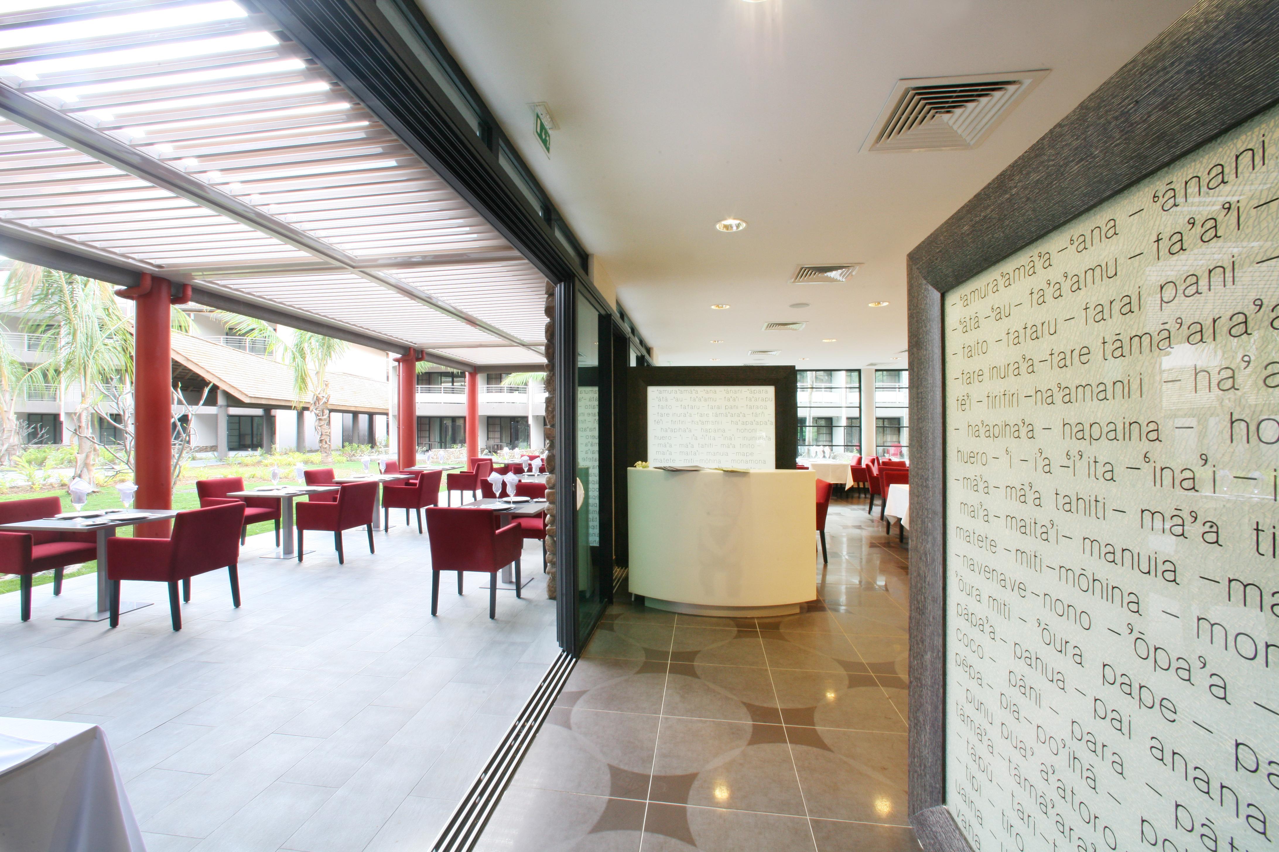 https://tahititourisme.fr/wp-content/uploads/2018/03/RESTAURATION-Vaitohi-Restaurant-3.jpg