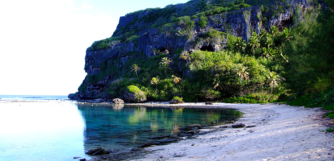 https://tahititourisme.fr/wp-content/uploads/2018/04/polynesie-francaise-plongee-sous-marine-ile-cote-GDR.jpg