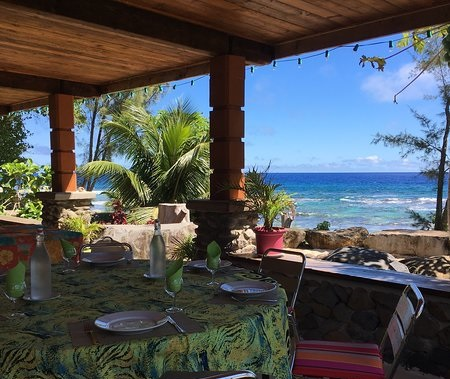 https://tahititourisme.fr/wp-content/uploads/2018/04/view-from-terrace-commune.jpg
