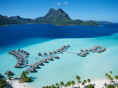 https://tahititourisme.fr/wp-content/uploads/2019/01/aerial-view-overwater-bungalow-bora-bora-pearl-beach-resort-spa.jpeg