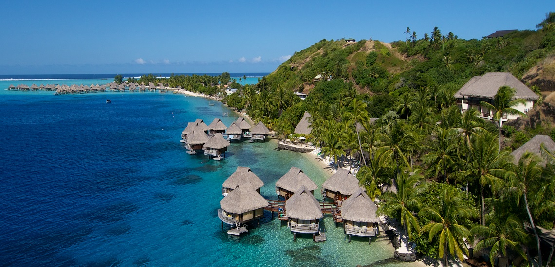 https://tahititourisme.fr/wp-content/uploads/2019/06/Vue-aérienne-Le-Maitai-Polynesia-1140x550.jpg