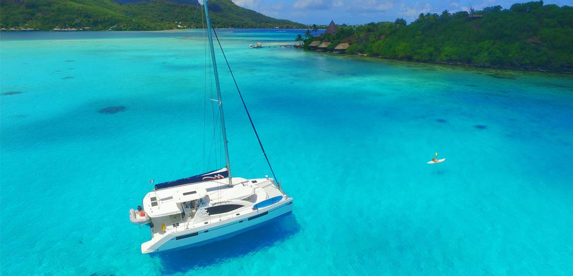 https://tahititourisme.fr/wp-content/uploads/2020/05/TheMoorings_Sailing_Catamaran_Kayak_Tahiti_1140x550_web.jpg