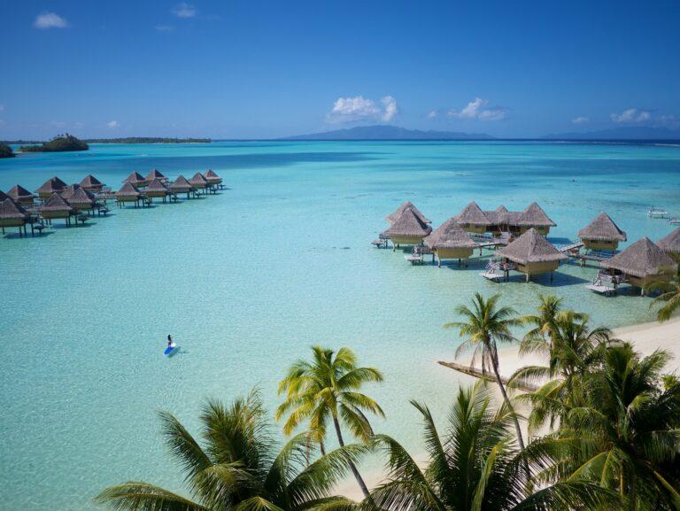 Iles et atoll paradisiaques