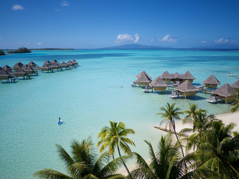 https://tahititourisme.fr/wp-content/uploads/2020/06/ic-moana-overwater-bungalows_9258524313_o.jpg