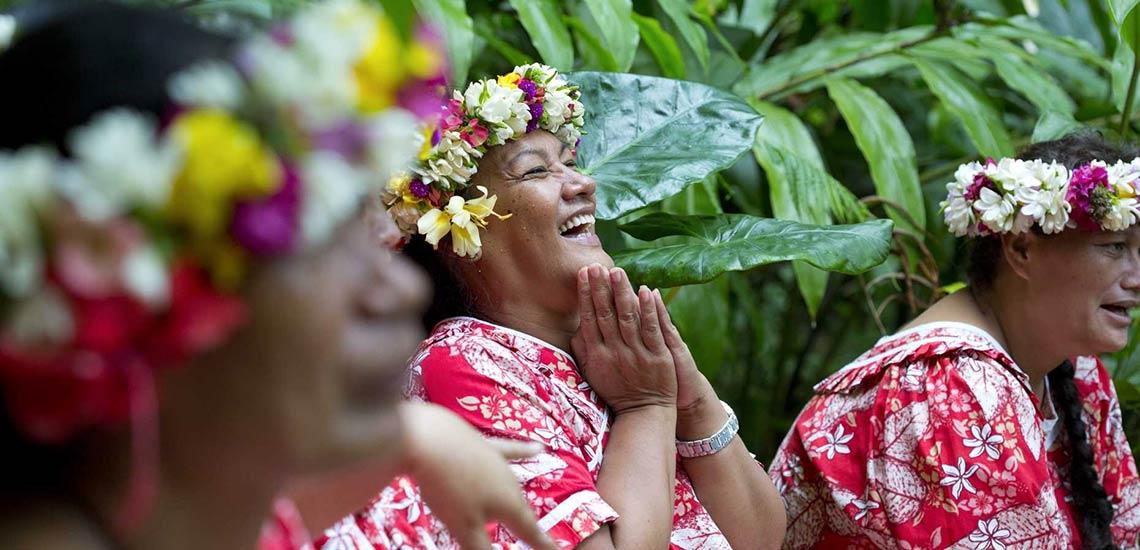 https://tahititourisme.fr/wp-content/uploads/2020/09/femmes-douceurs-polynesiennes-slide.jpg