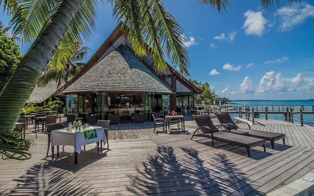 https://tahititourisme.fr/wp-content/uploads/2020/10/19-maitai-rangiroa-terrasse-bar-48079213897-o.jpg