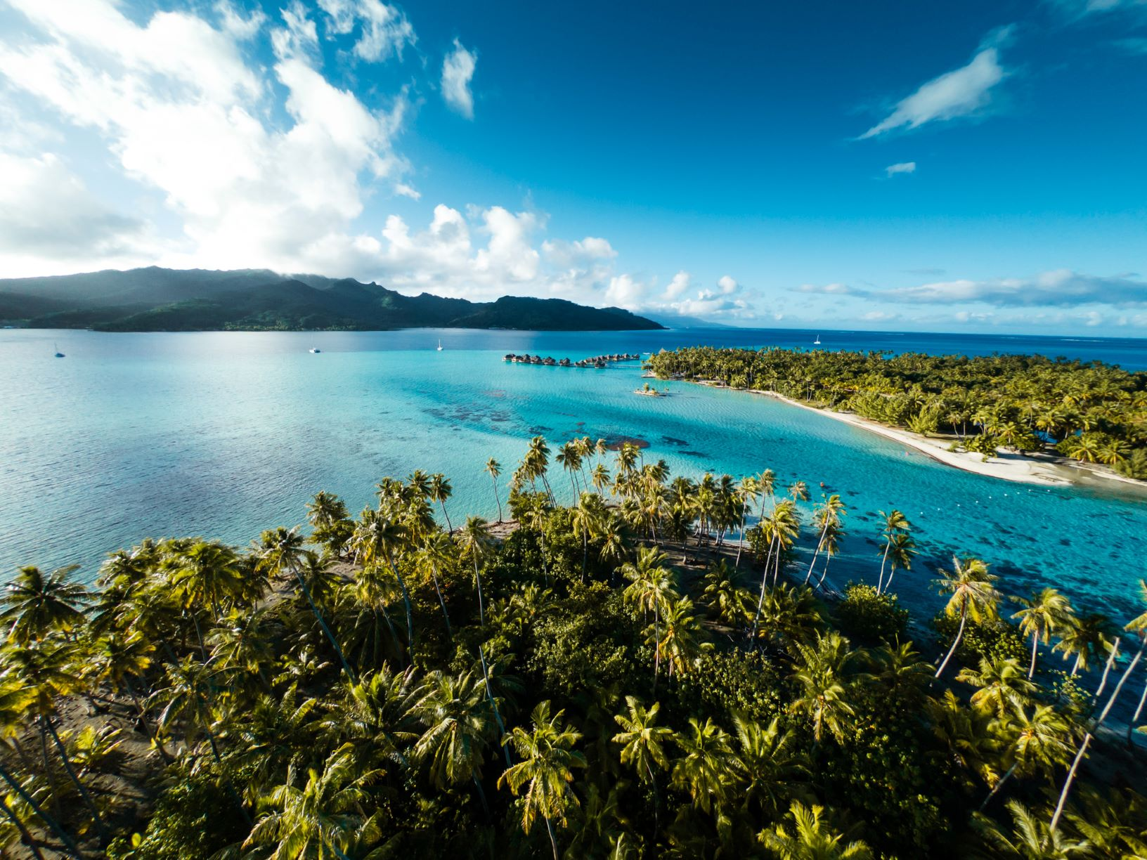 https://tahititourisme.fr/wp-content/uploads/2020/10/Aerial-View-Le-Tahaa.jpg