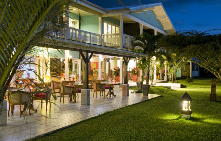 MAEVA : Combiné 4 ÎLES en hôtels de CHARME TAHITI / MOOREA / RAIATEA / BORA en 12 nuits