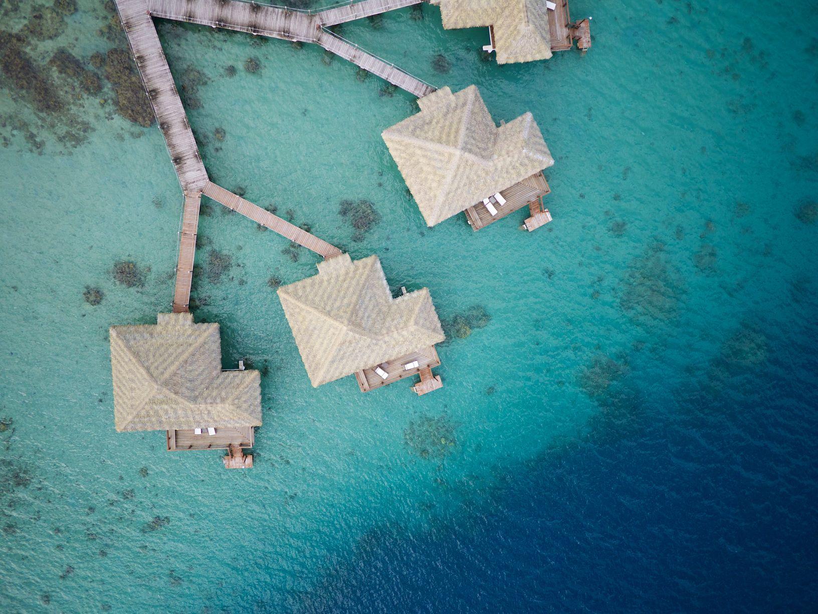 https://tahititourisme.fr/wp-content/uploads/2020/10/HUH-Royal-Huahine-Aerial-View-TMcKenna-13.jpg