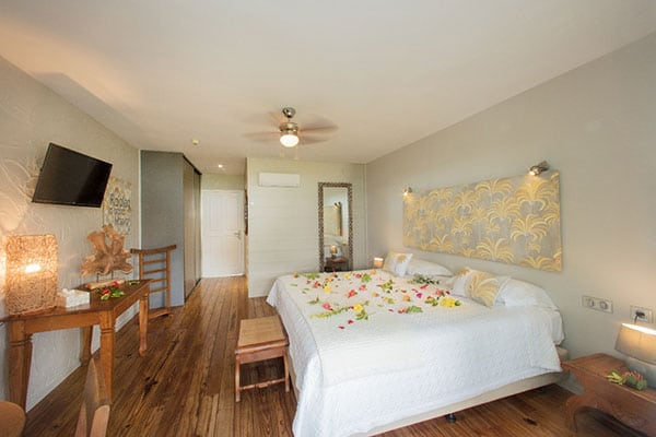 https://tahititourisme.fr/wp-content/uploads/2020/10/lagoon-room-02-RAIATEA-LODGE-HOTEL.jpg