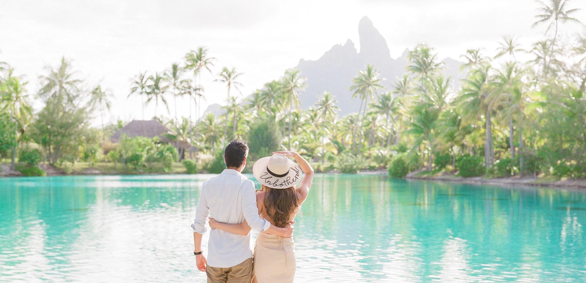 https://tahititourisme.fr/wp-content/uploads/2021/04/PCP-Bora-Bora-Photographer-St-Regis-Honeymoon.jpg