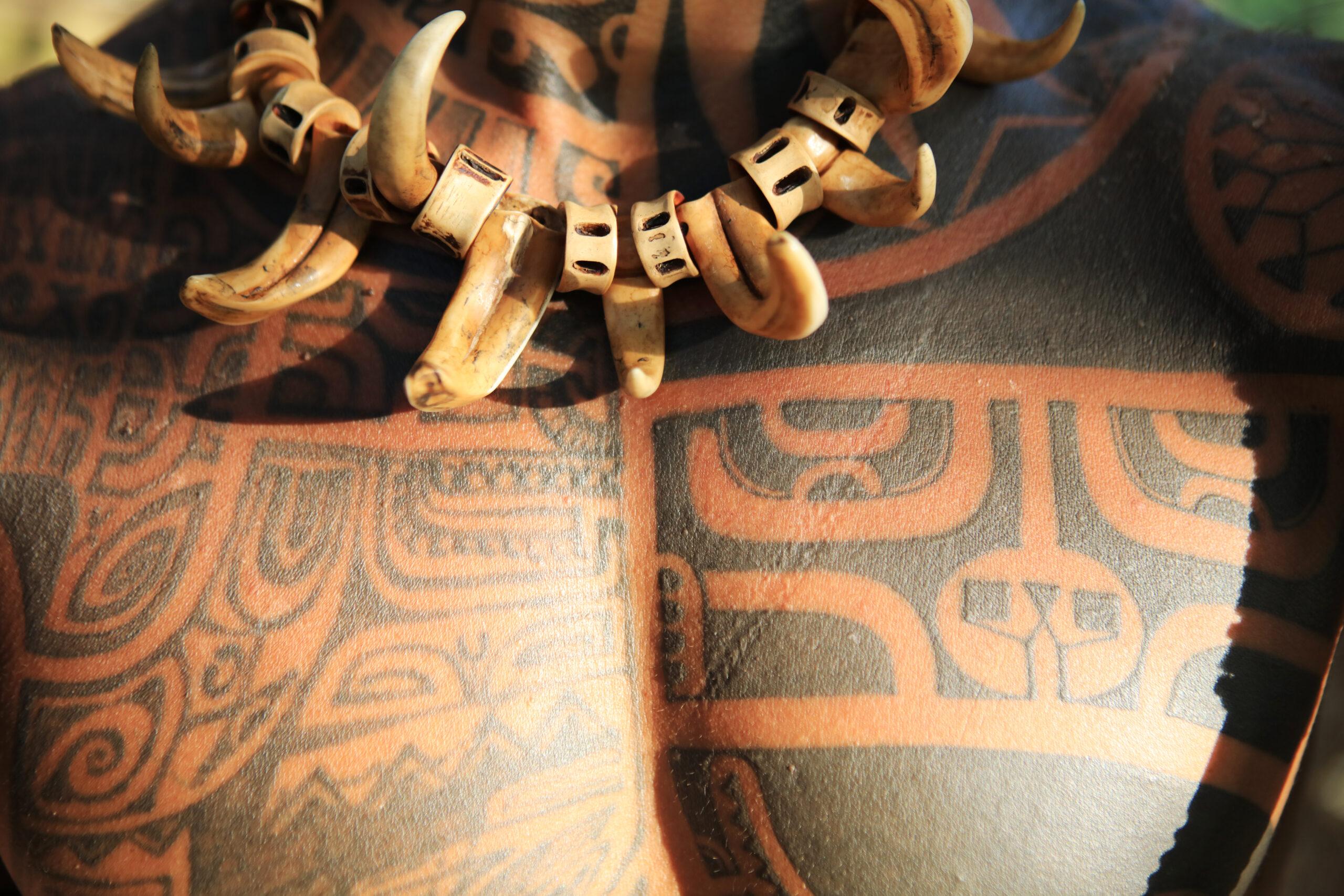 https://tahititourisme.fr/wp-content/uploads/2021/10/7-tatau-P2_03_Tahuata_750A2593_©-Tahiti-Tourisme-scaled.jpg