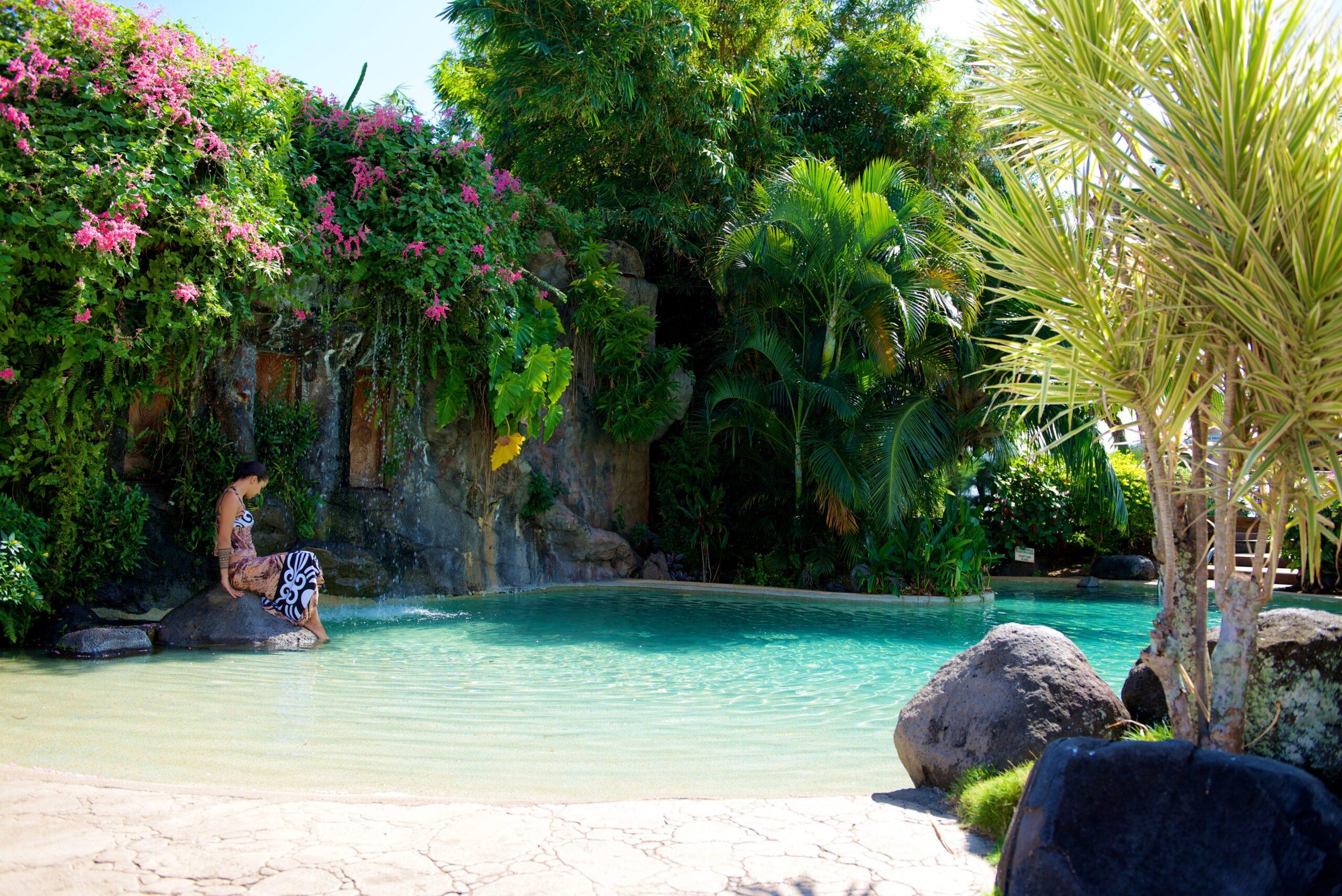 https://tahititourisme.fr/wp-content/uploads/2021/10/piscine4-scaled.jpg